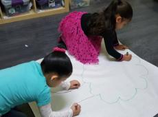 Two kids Draw a Tree